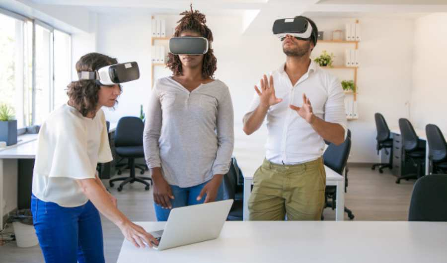 AR and VR are Becoming More - 7 Top e-commerce Trends to Watch in 2020
