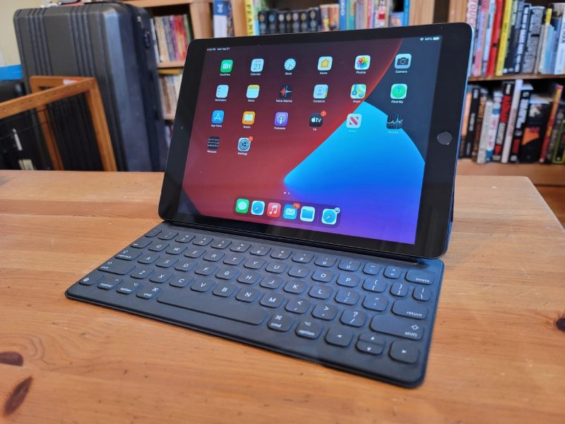 apple 1 - The eighth-generation iPad is a fine choice for Casual users